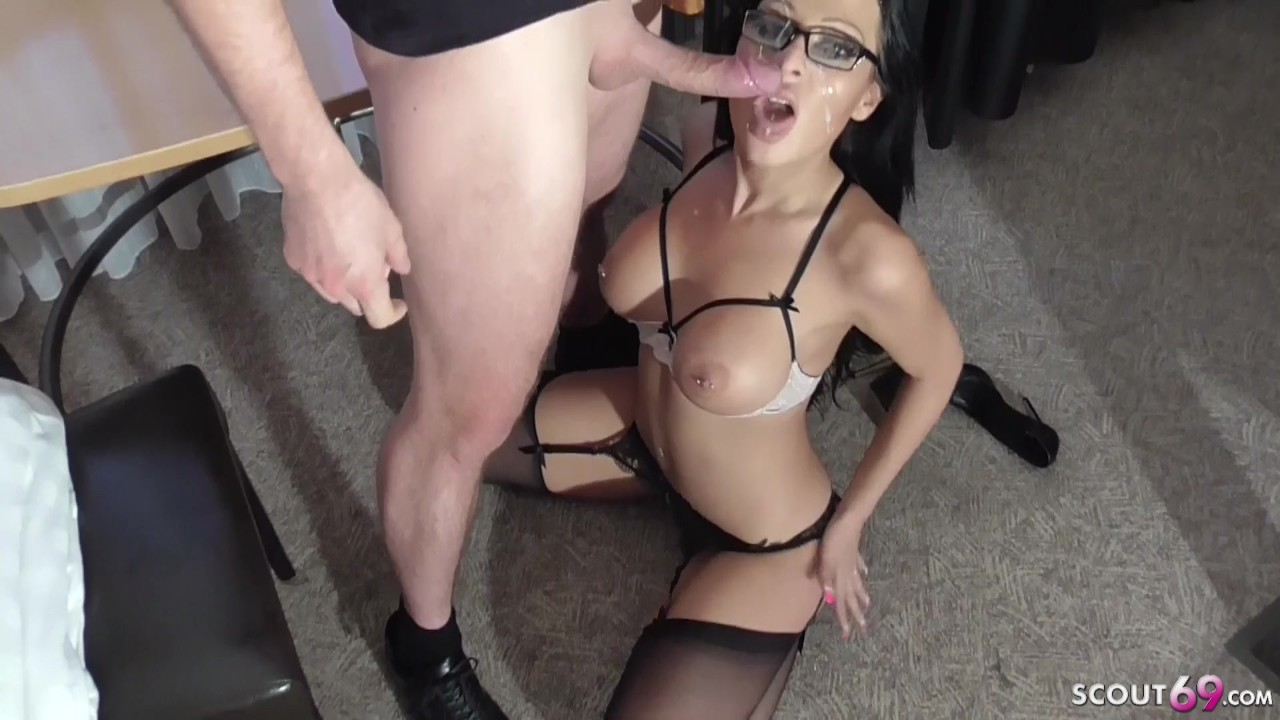 Anal Porn Mature Boss mature boos told her personal assistant to stimulate her